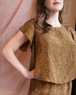 Psychic Hearts | Tulip-Sleeved Washable Silk Top | Paisley