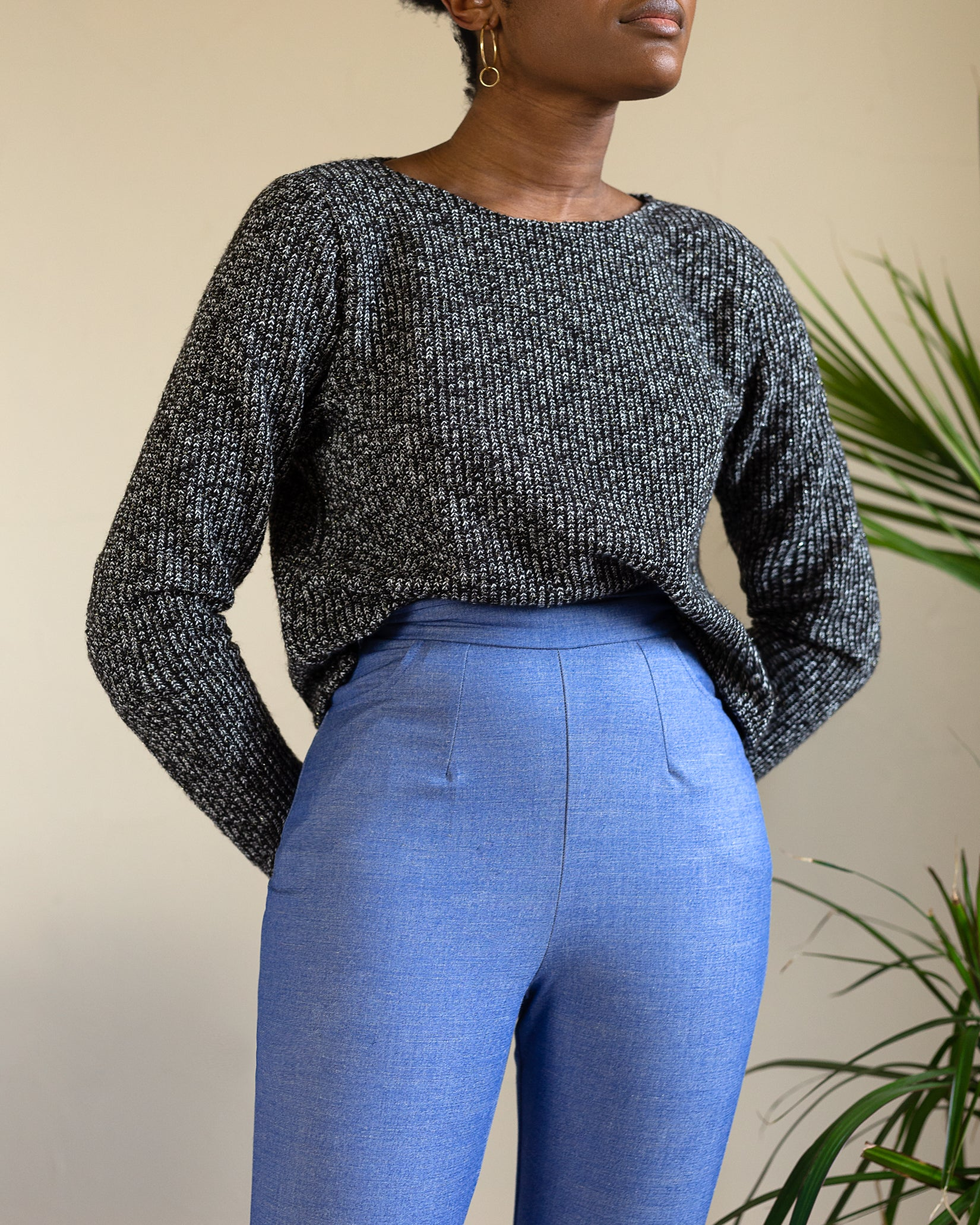 Cecilia | Slightly Cropped Sweater | Grey