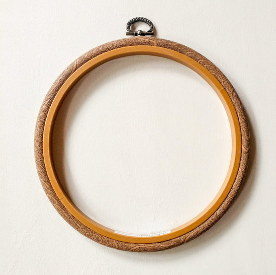 "6"" faux wood grain flexi-hoop"