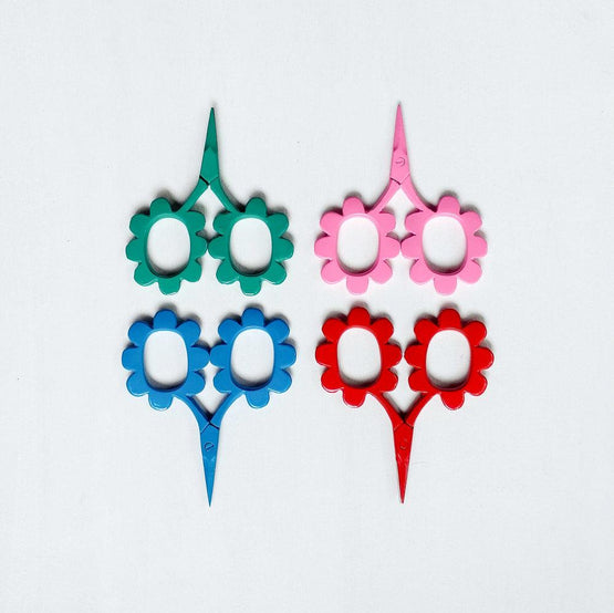 scalloped scissors