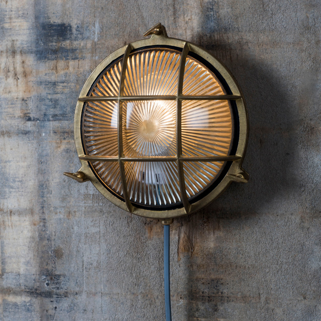 Round Bulk Head Brass Wall Light