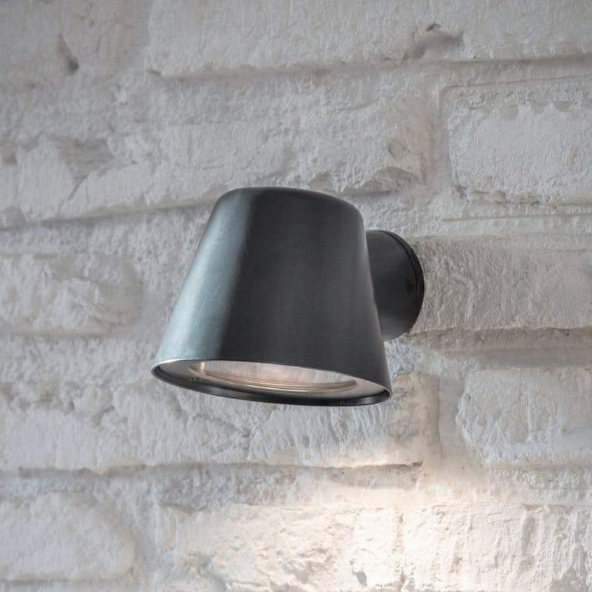 Mast Wall Light