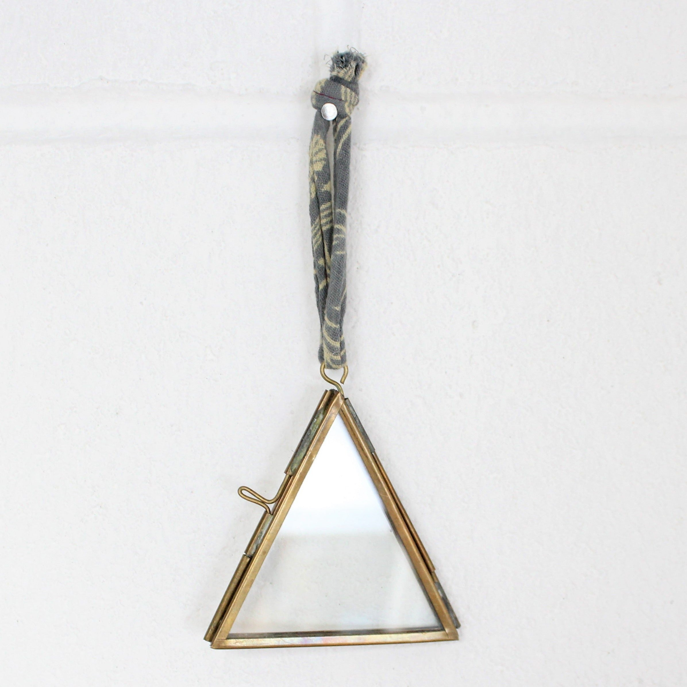 Kiko Tiny Triangle Frame