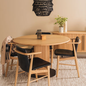 PALLISER Table Round and FLORES Dining Chairs