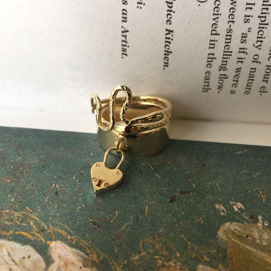 Slithering Snake Ring Gold - Serpent & the Swan