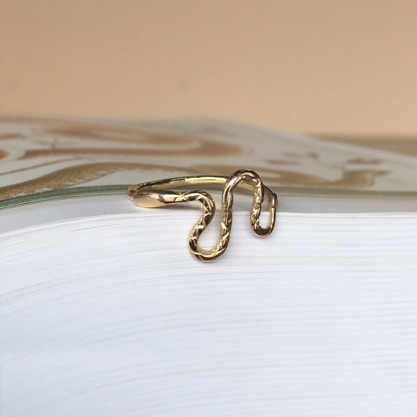 Slithering Snake Ring Gold