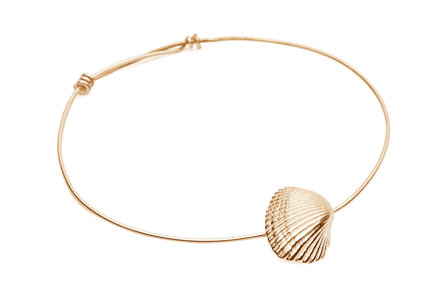 Shell & Freshwater Pearl Bangle Gold - Serpent & the Swan