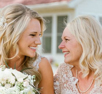 10 Special Ways To Include Your Mum In Your Wedding Day