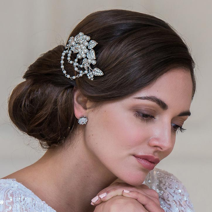 Browse our 1950s Vintage Wedding Accessories
