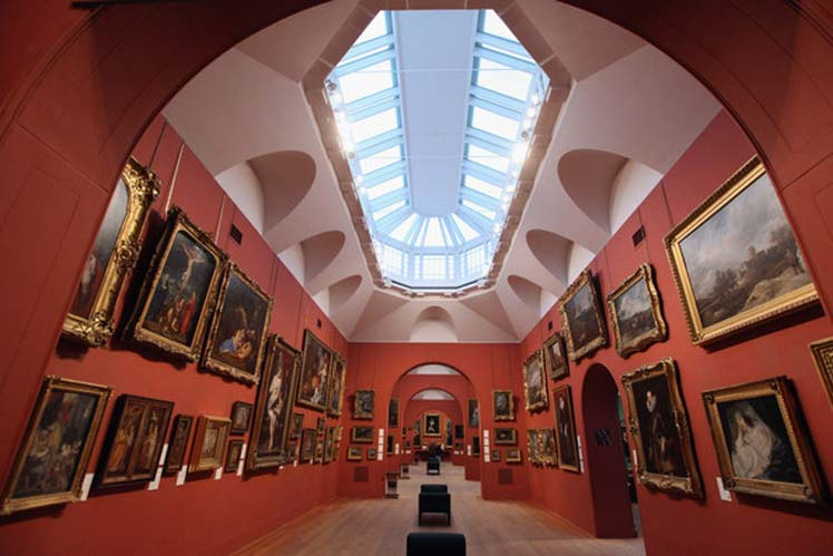 A Stunning wedding venue - Dulwich Picture Gallery