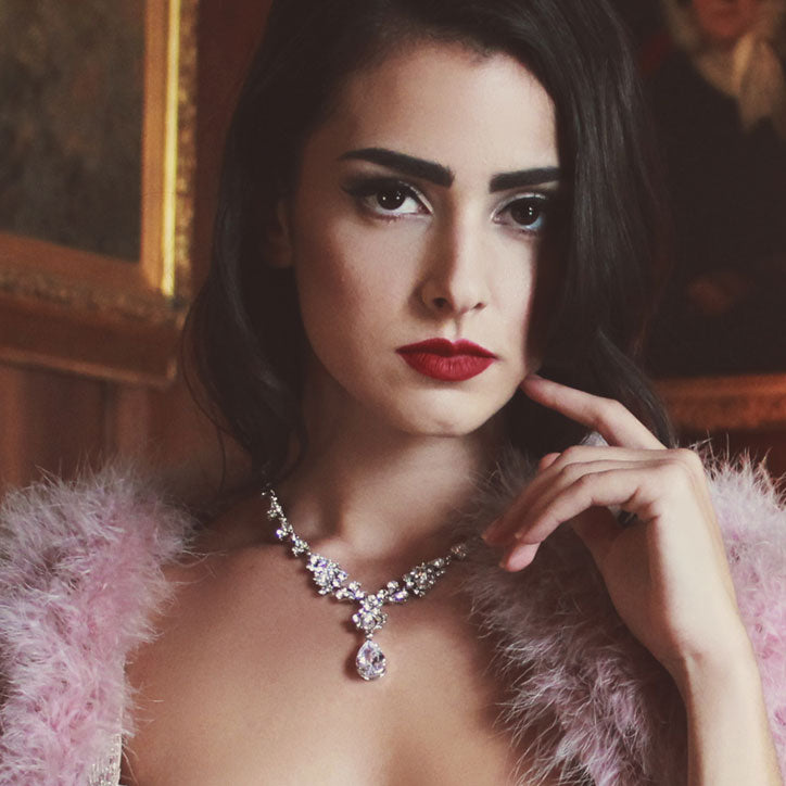 Crystal necklaces inspired by the 1940s