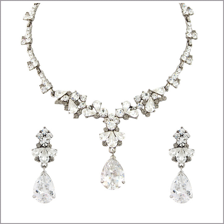 Coordinating range of fashion jewellery sets