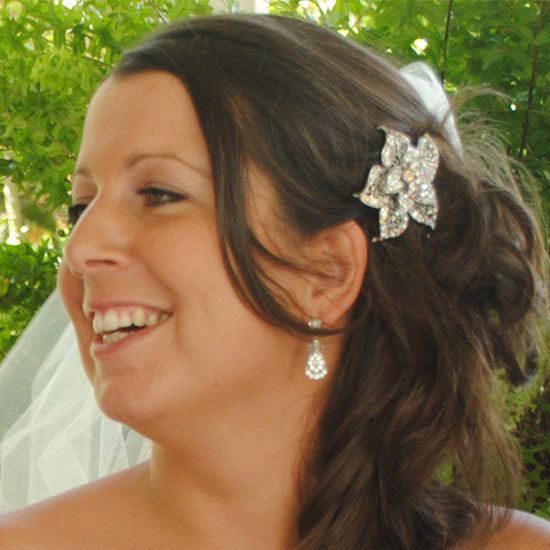 Laurie wears Tropical Dream Hair Clip by Glitzy Secrets