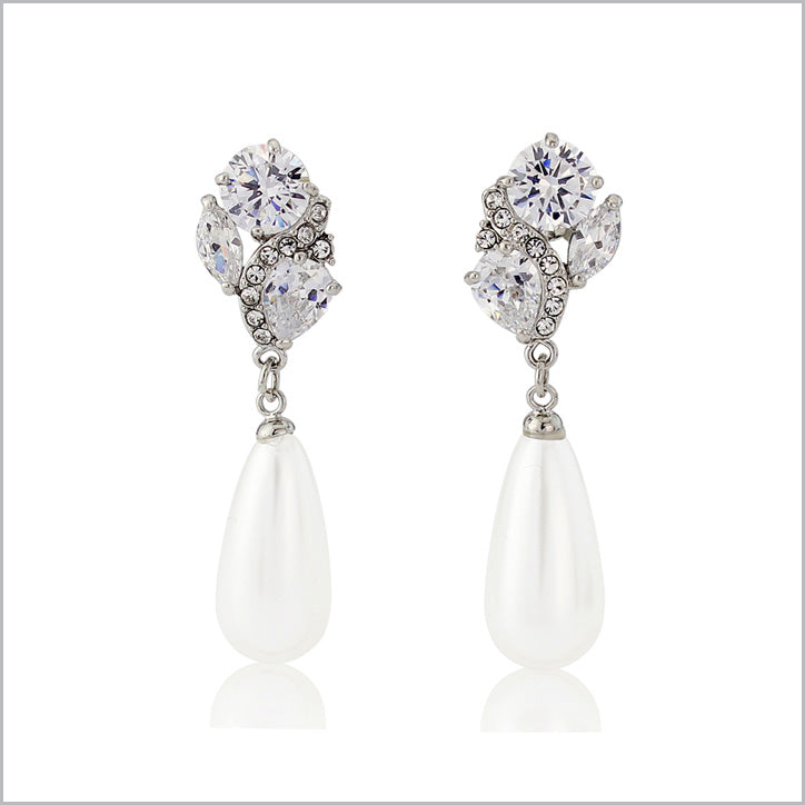 Pearl wedding earrings for brides