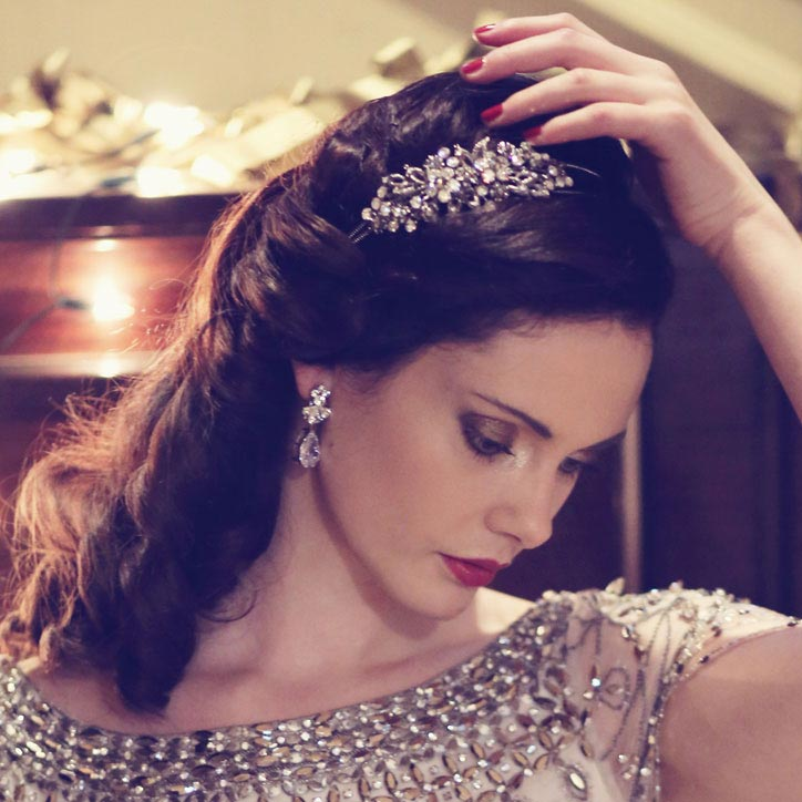 Side tiaras inspired by vintage eras