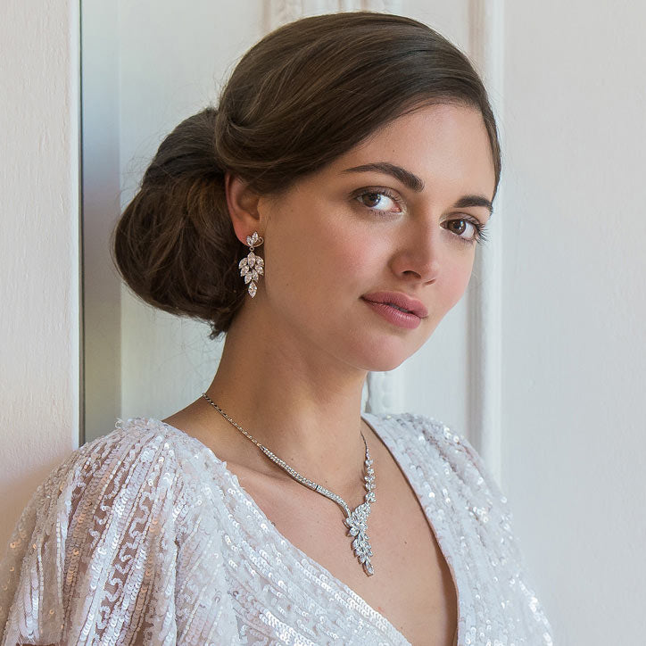 Timeless vintage jewellery sets for brides