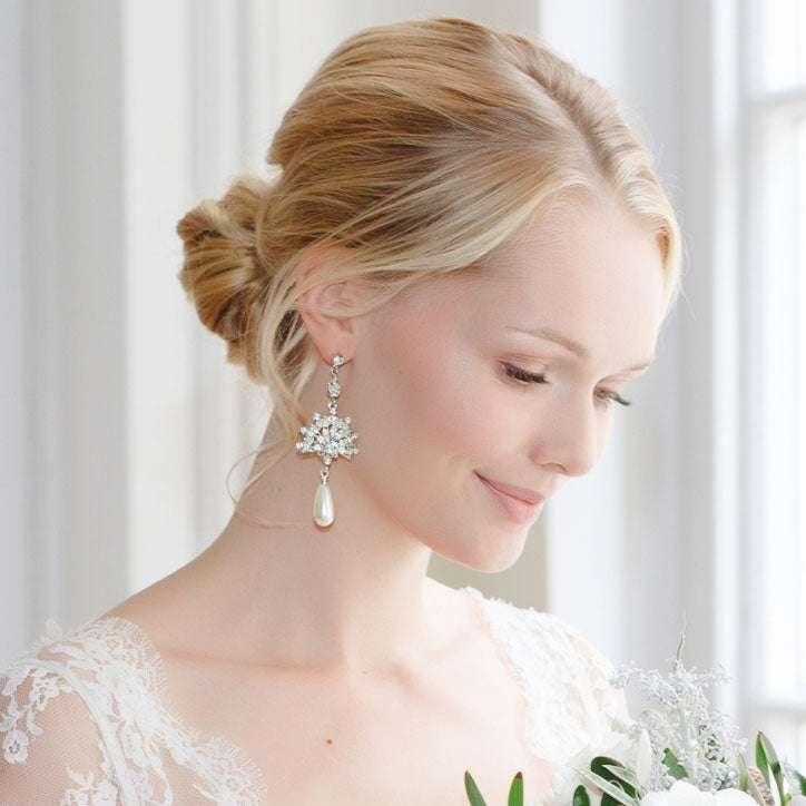 Wedding earrings for classic brides