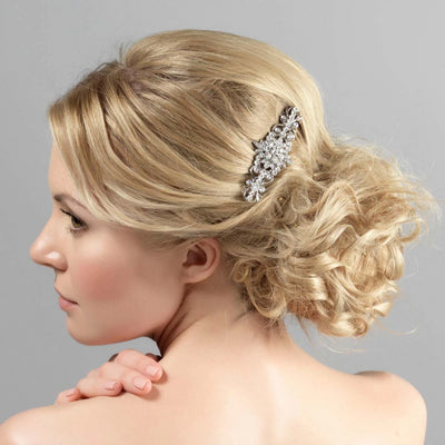 Model bride wear Antique Delight Wedding Hair Comb