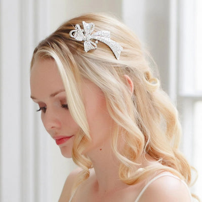 Bouquet of Extravagance Concord Clip shown in loose bridal curls