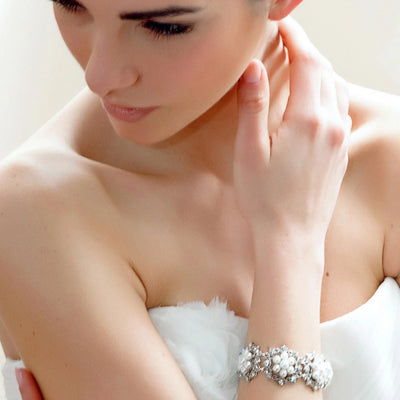 Model bride wears Charming Pearls Bracelet