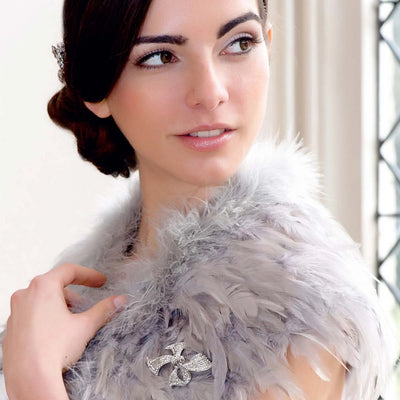 Model bride wears Deco Beau Brooch to complete her aisle style