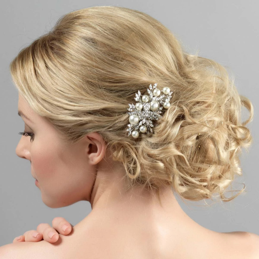 Enchanting Pearl Hair Comb