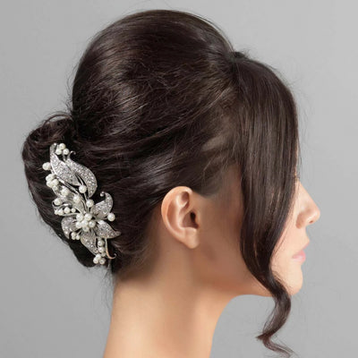 Model wears Exquisitely Pearl Large Flower Hair Comb