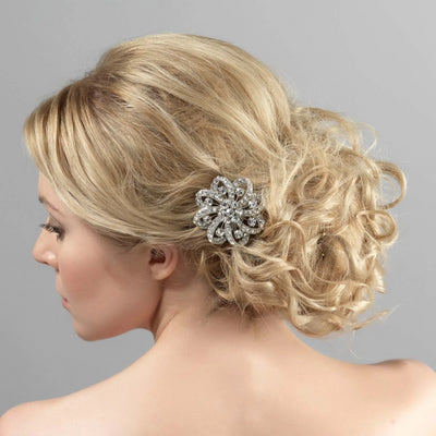 Model wears Vintage Beauty Bridal Hair Clip