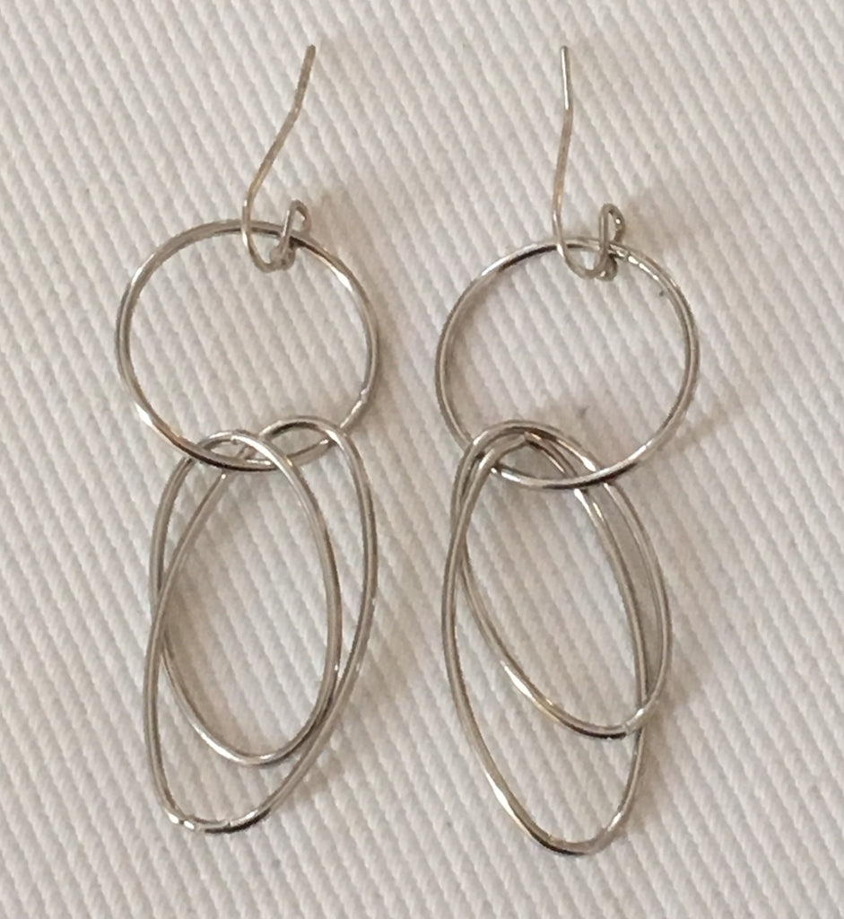 Witchy Poo's  Silver Circle Link Earrings