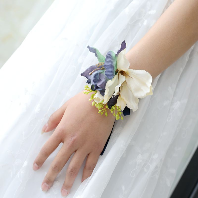 Ivory Flower Wrist Corsage, Flower Girl Wrist Corsage , Bridesmaids Wrist Corsage, Bridesmaids Flower Accessories, Flower Girl Accessories