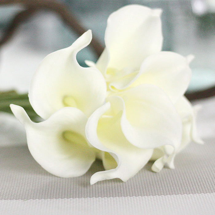 Comfyee White Fake Realistic Cala Lilies Silk Flower