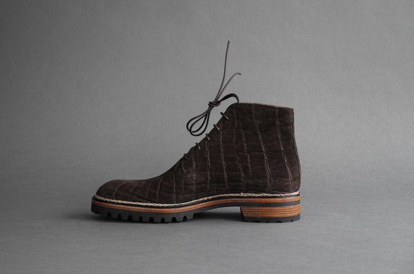 ZB 048 Wholecut Derby Boots