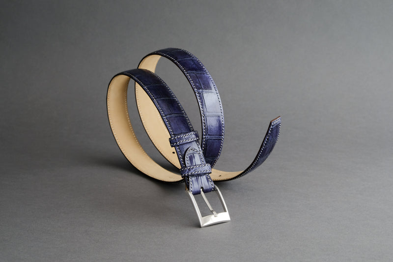 Made-To-Measure Handmade Belt In Bleu Marine Crocodile Leather