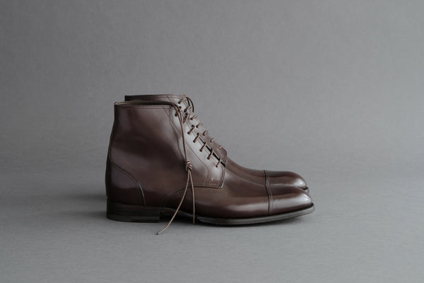 ZeroTwoTwo.Che Toe-Cap Derby Boots