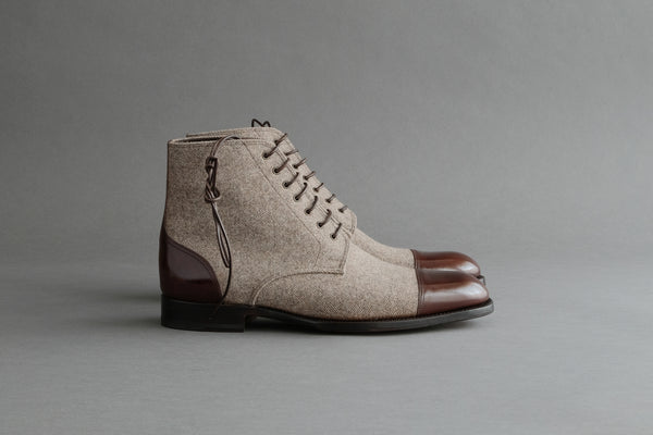 ZeroZeroOne.Akio Derby Boots from Bavarian Calf and Wool