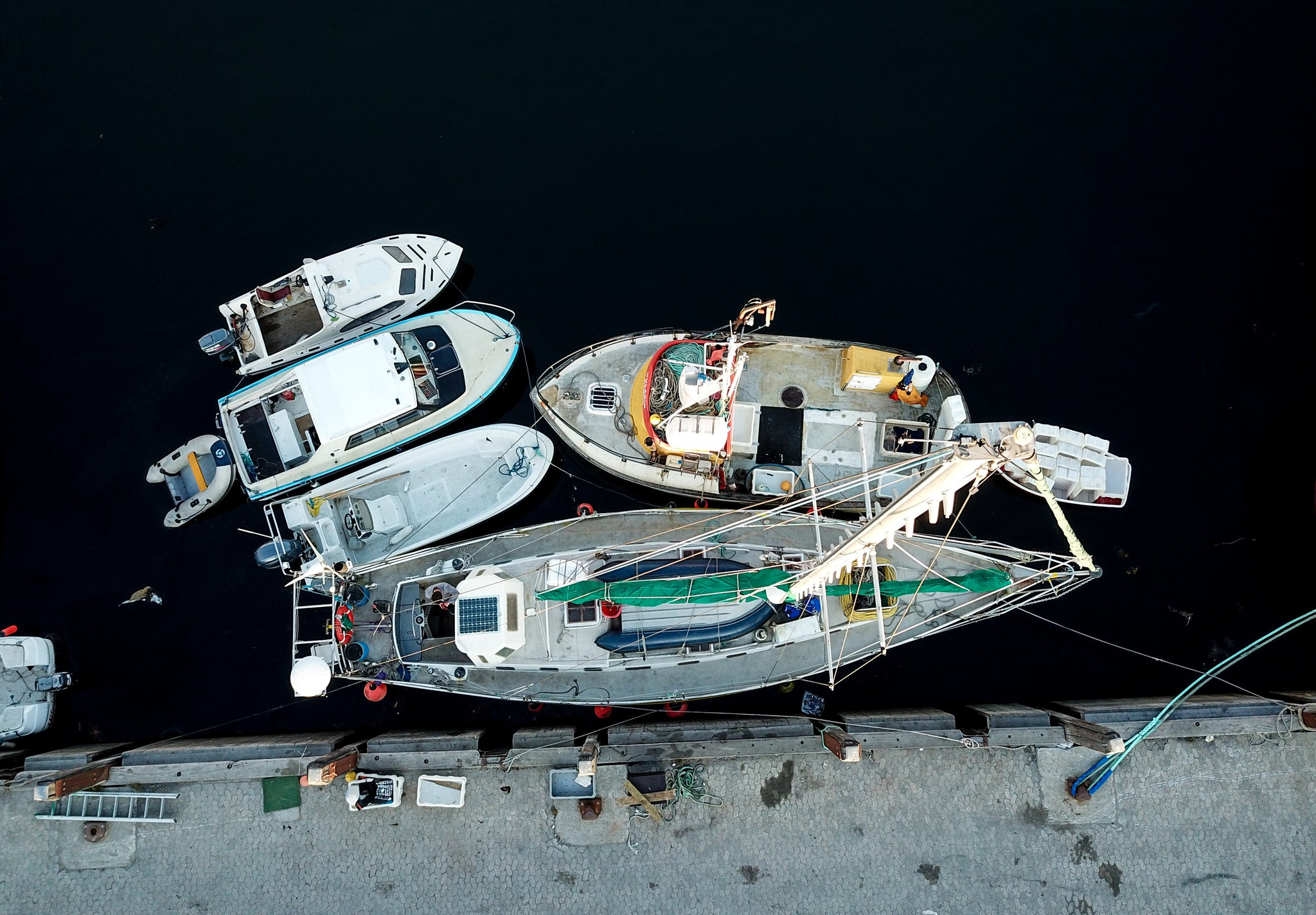 overhead view of sailboats