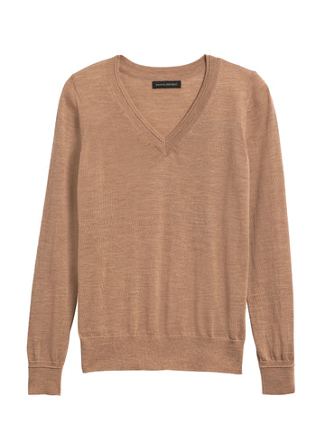 Merino V-Neck Sweater in Camel