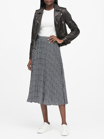 Plaid Pleated Midi Skirt in Plaid