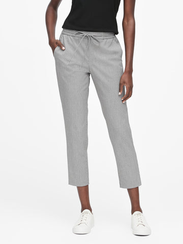 Hayden Tapered-Fit Houndstooth Ankle Pant in Black & White