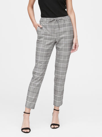 Hayden Tapered-Fit Plaid Ankle Pant in Plaid