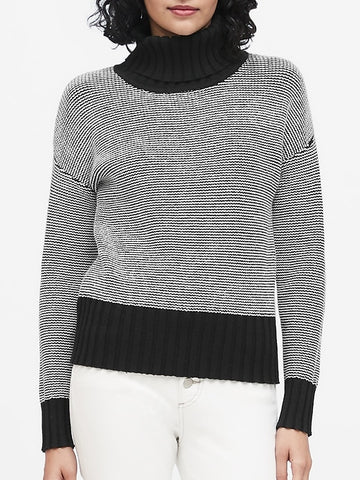 Chunky Turtleneck Sweater in Black & White