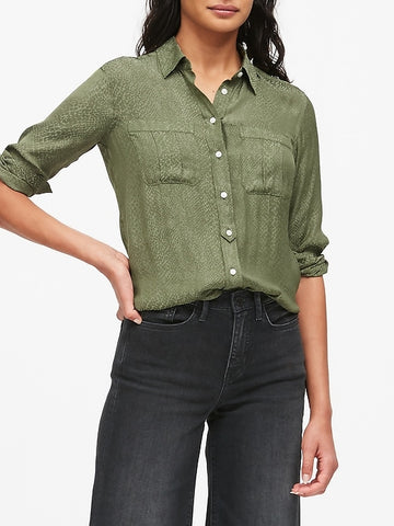 Dillon Classic-Fit Utility Shirt in Olive Green