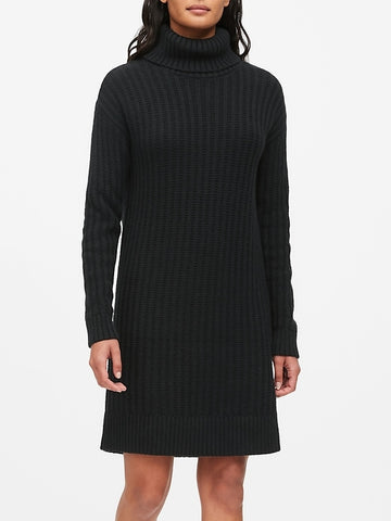 Chunky Turtleneck Sweater Dress in Black