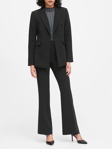 Sculpted-Fit Blazer in Black