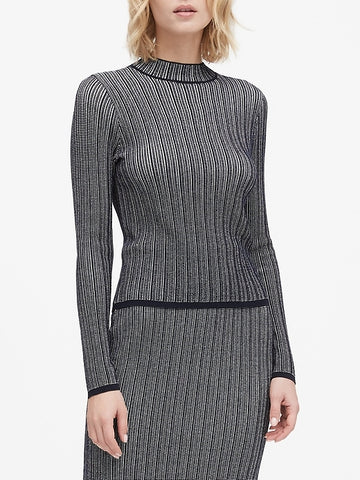 Cropped Textured Sweater Top in Navy