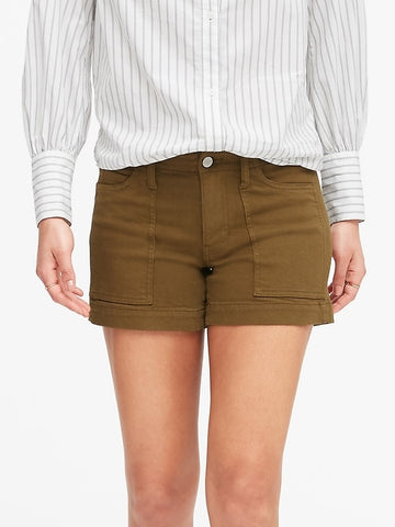 Petite Mid-Rise 4 Utility Short in Cindered Olive Green