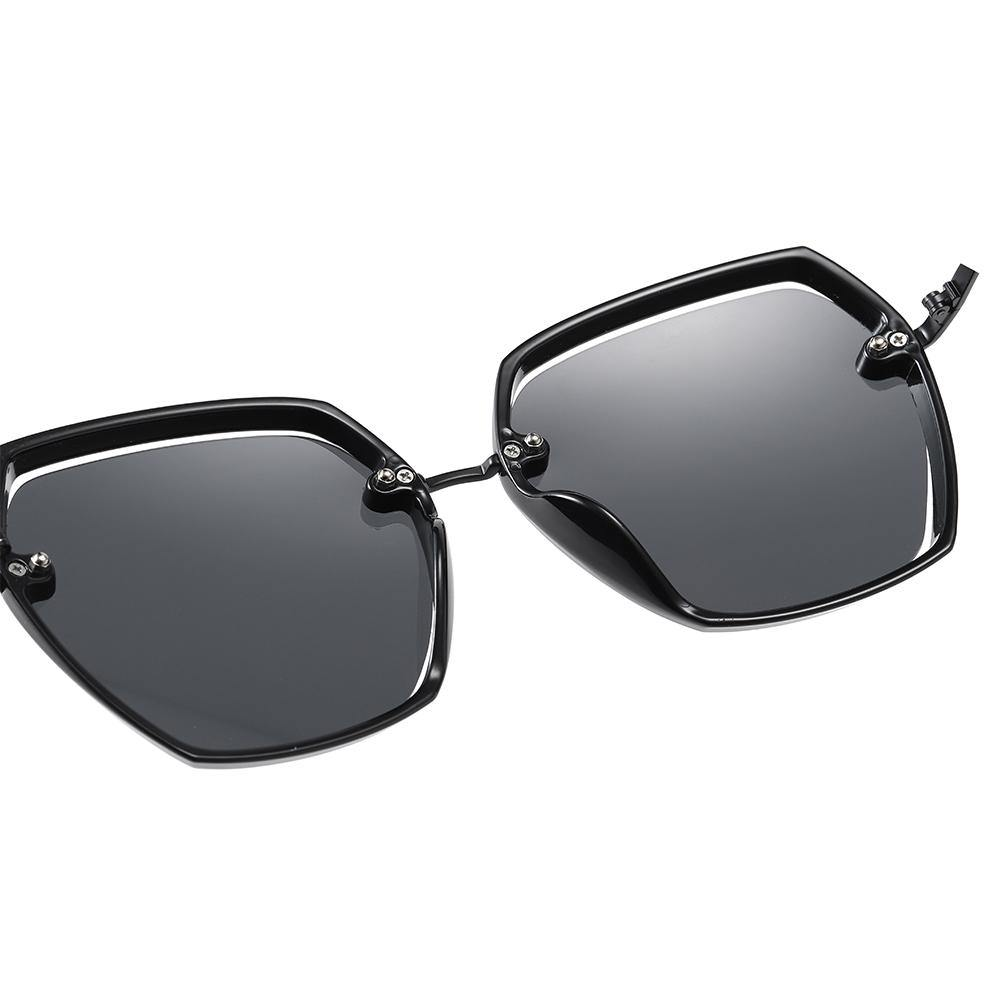 one piece nose pads with full black frame sunglasses