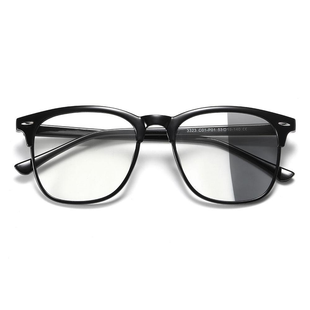 Square eyeglasses with photochromic lenses