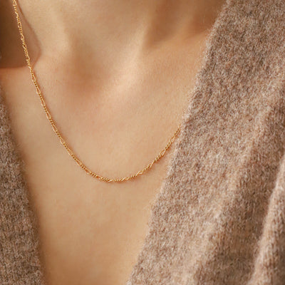 Chain necklace for everyday wear