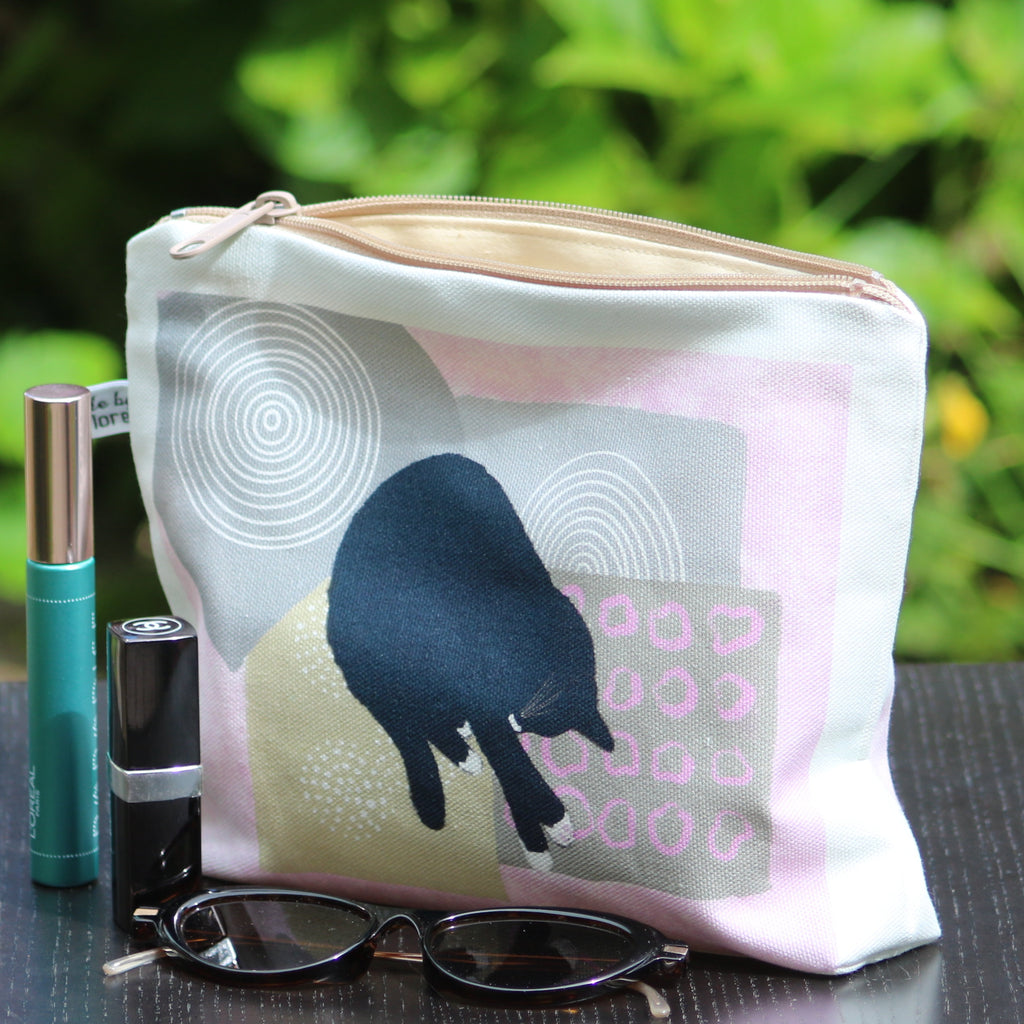 Makeup / Personal Bag: sleeping cat grey/pink